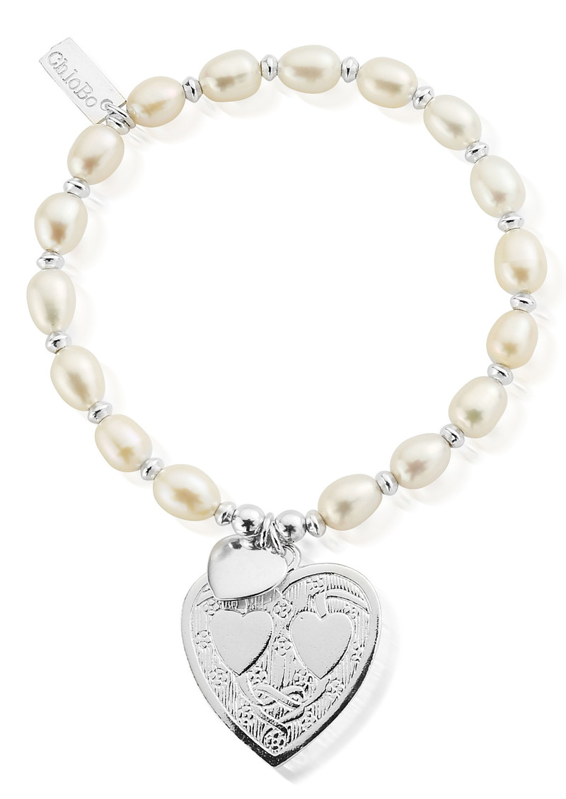 Pearl Disc Decorated Heart Bracelet - Silver main image