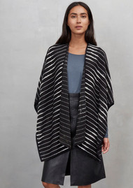Great Plains Cloudy Day Poncho - Black Combo