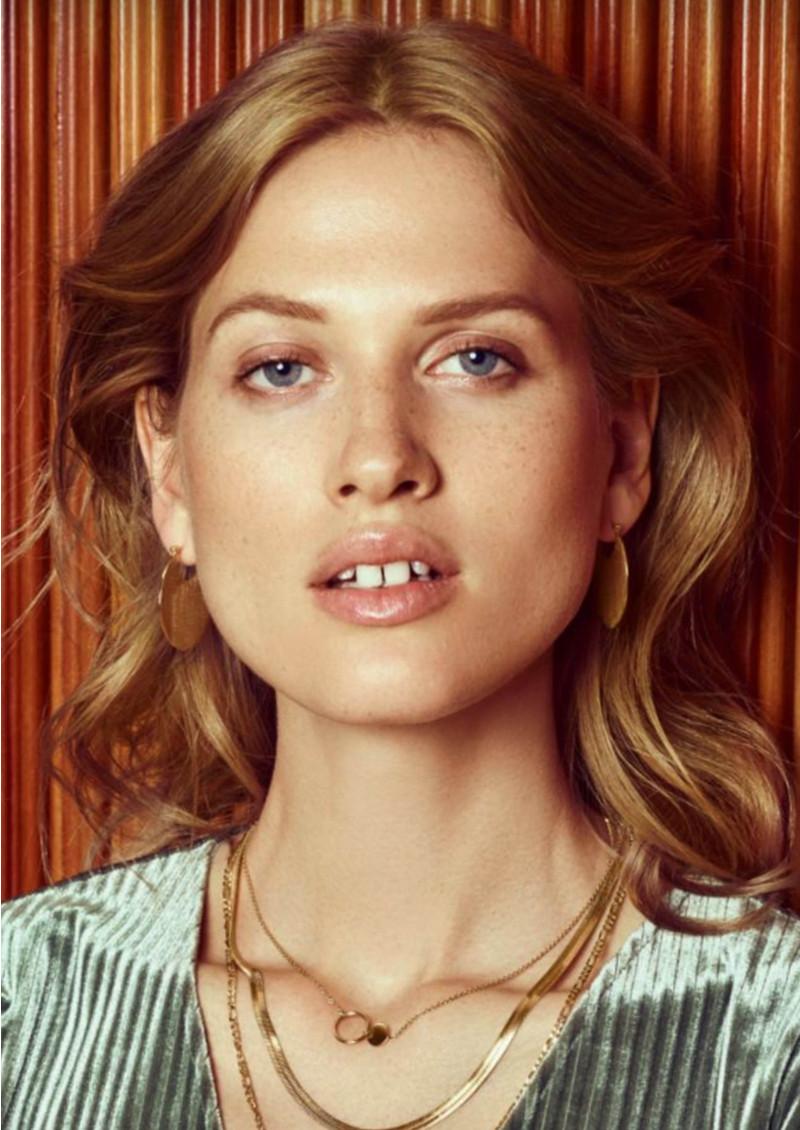 PERNILLE CORYDON Omega Earrings - Gold main image