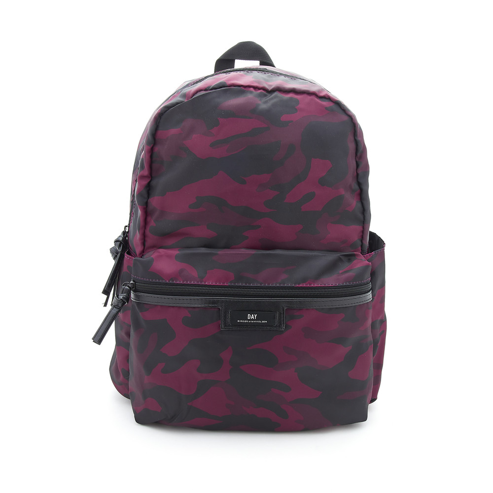 Gweneth P Camo Backpack - Winetasting