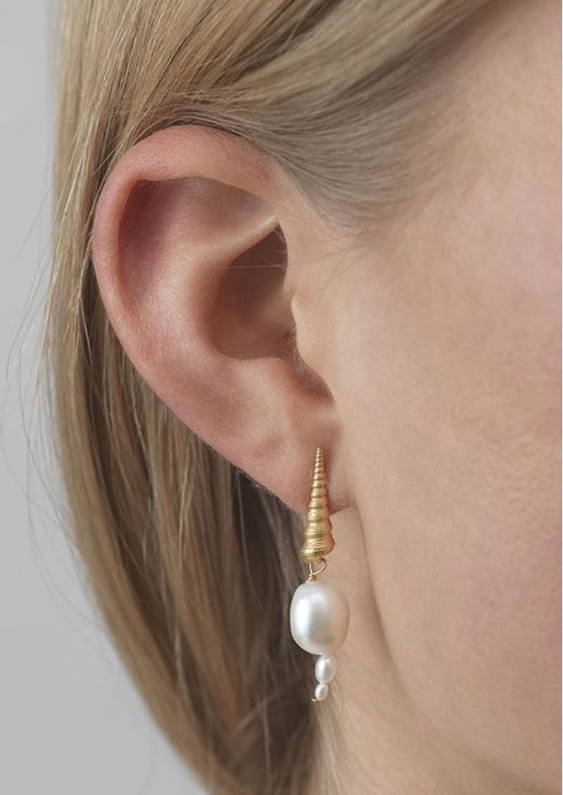 Turet Shell Baroque Pearl Earrings - Gold main image