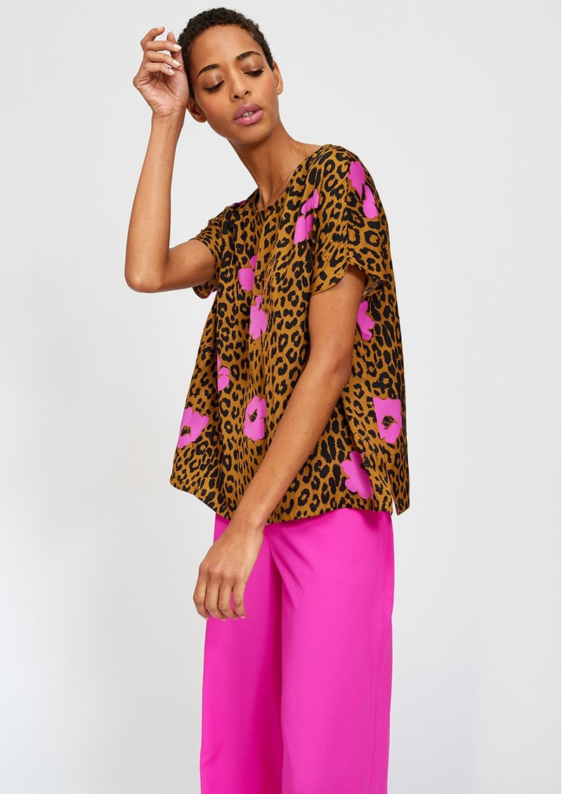 Serena Leopard Short Sleeve Top - Sesame main image