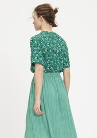 SAMSOE & SAMSOE Amabel Printed Short Sleeve Top - Green Carnation