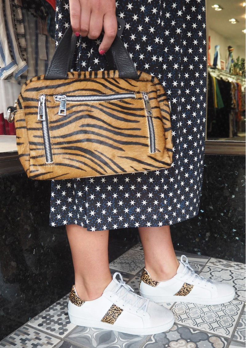 NUNOO Donna Bag - Brown Zebra main image