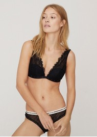 LOVE STORIES Polly Lace Pad Bralette - Black