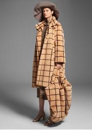 BAUM UND PFERDGARTEN Demetria Faux Fur Coat - Camel Check