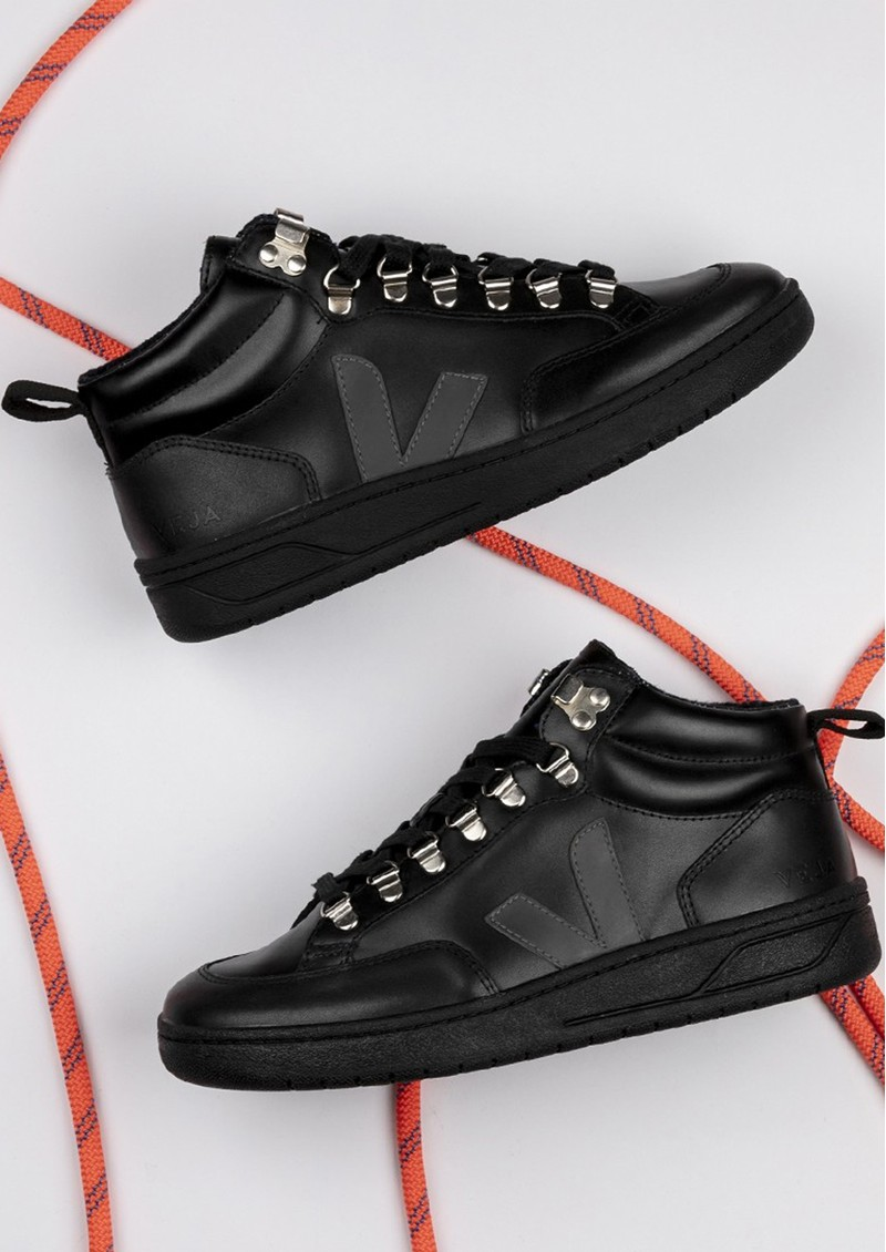 VEJA Roraima Leather Trainer - Black & Grafite main image
