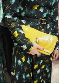 Sous Les Paves Mai Tai Parrot Suede Bag - Yellow