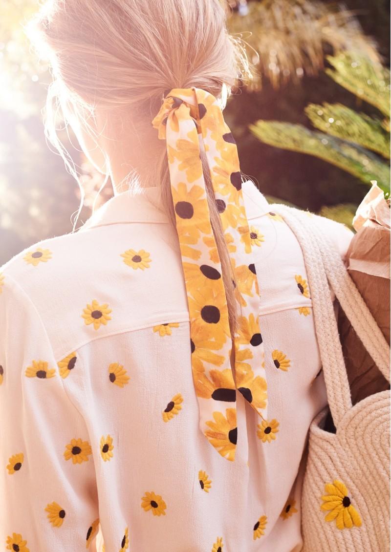 FABIENNE CHAPOT Scottie Scrunchie - Sunny Flowers main image