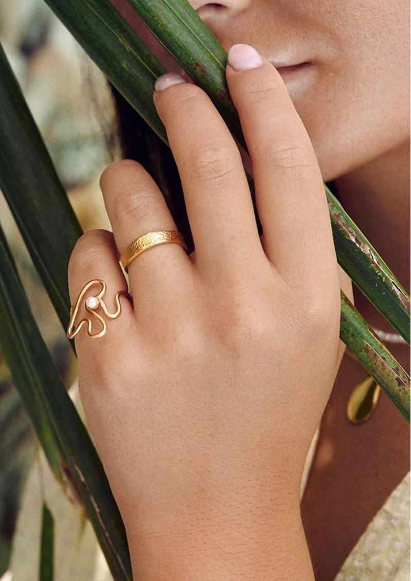 PERNILLE CORYDON Bay Pearl Ring - Gold main image