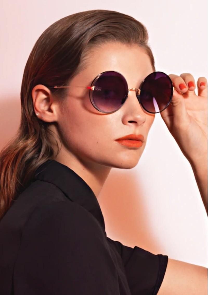 NEON HOPE Eos Sunglasses with Chain - White main image