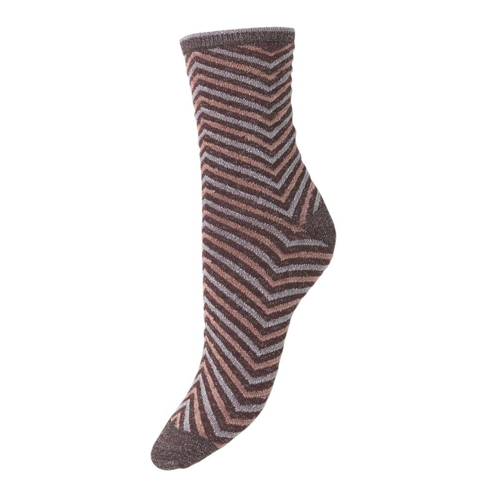 Twisty Darya Socks - Fudge