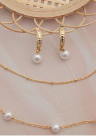 ANNA BECK Reimagined Pearl Drop Hoop Earrings - Gold