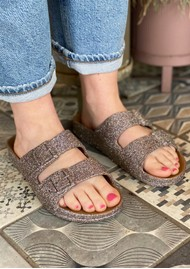 CACATOES Trancoso Glitter Slider Sandals - Camel
