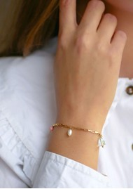 ENAMEL COPENHAGEN Mellow Fresh Water Pearl Fine Chain Bracelet - Gold