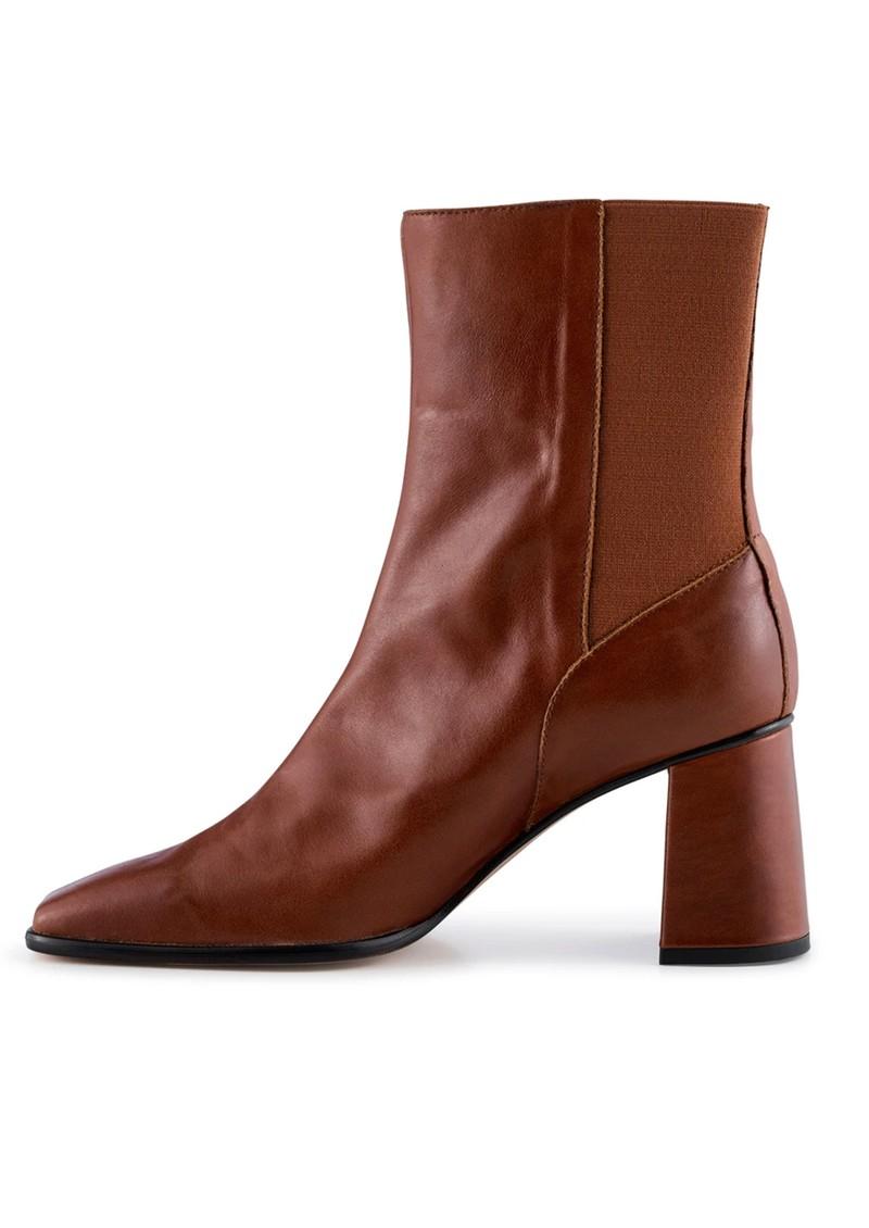 SHOE THE BEAR Agata Chelsea Leather Boot - Tan main image