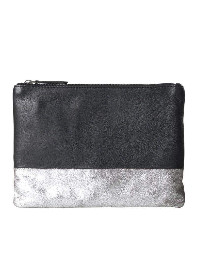 O-IDA LEATHER CLUTCH - BLACK SHINE main image